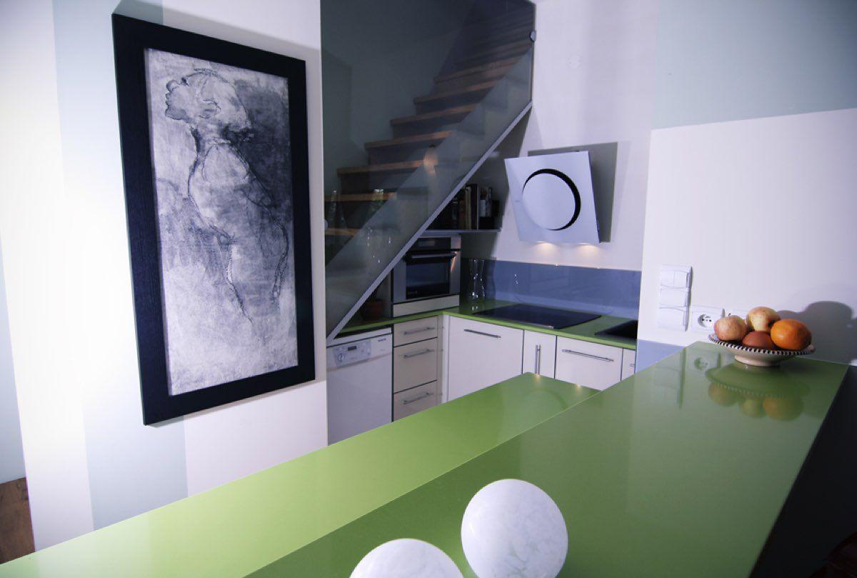 Table bar en silestone vert